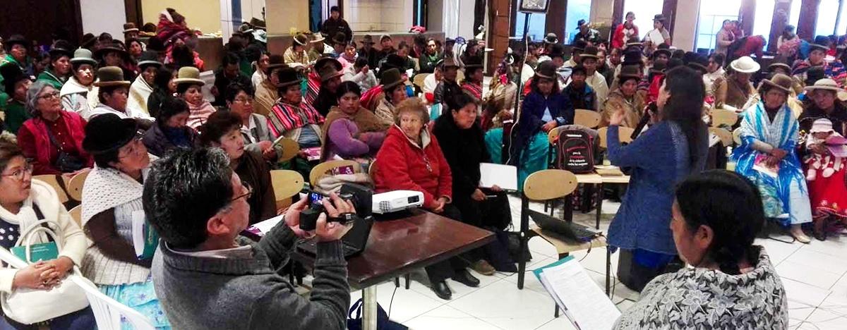 Mujeres aprueban la Agenda Política Departamental de La Paz  2019 - 2024