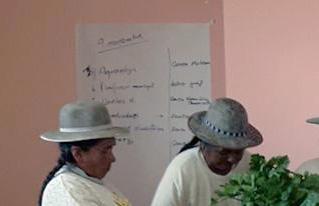 Mujeres y hombres productores concluyen su formación en liderazgo social comunitario