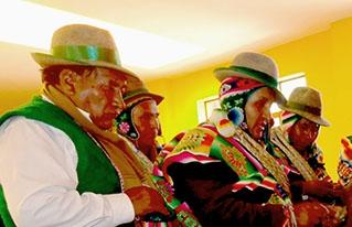 Corque y San Pedro de Totora analizaron los avances de las autonomías indígena originario campesinas