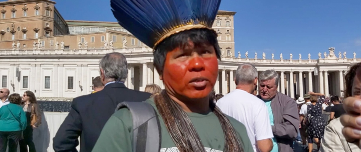 """Indígena de Brasil: """"Todos dependen de la Amazonia, el mundo depende de la Amazonia"""""""