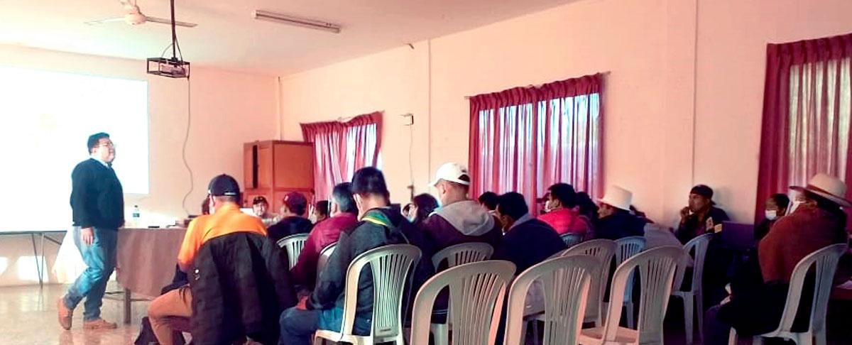 AIOCs unidas en mesa técnica de autonomías indígenas originarias campesinas.
