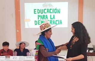 Líderes y líderesas del Norte Potosí reciben certificados a nivel técnico básico