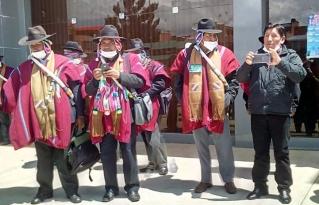 Autoridades originarias del Altiplano paceño realizan control para evitar contagio con el COVID-19